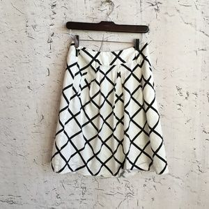 INC WHITE BLACK PRINT SKIRT 2
